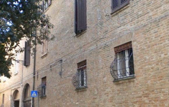 Ristrutturazione di tre unità abitative in palazzo storico Ferrara