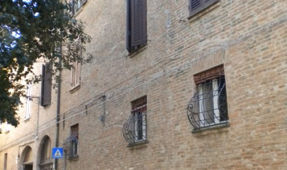 Renovation of 3 flats in historic building FERRARA